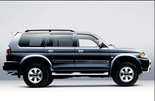 Mitsubishi Pajero Sport Sport Black Color Five Doors And Seven Seater