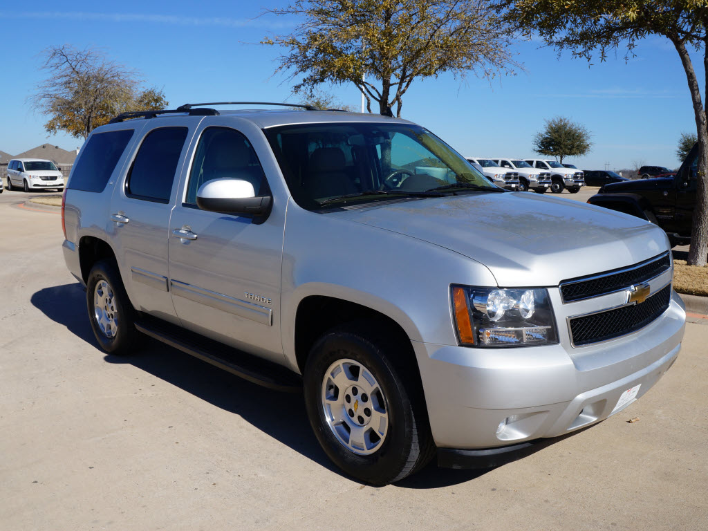 2010 Chevrolet Tahoe 4x4 silver sunroof DVD 43k miles TDY ...