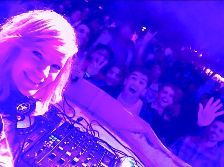 Toda la info de DJ Virginia Da Cunha. y DJ Sergio Martinez.