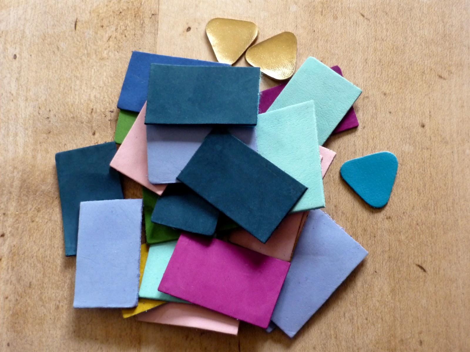 Douceurs et couleurs un collier dans des chutes de cuir - Acheter chute de cuir ...