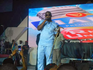 Don Jazzy thanks D'banj, Wande Coal for award