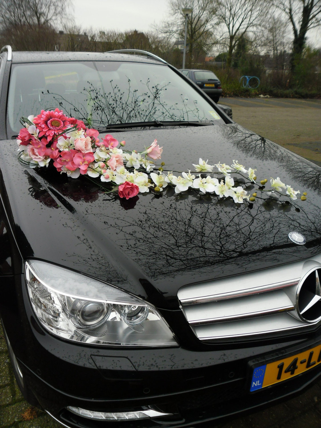 Link Camp Wedding Car Flower Decoration Collections 2013 3