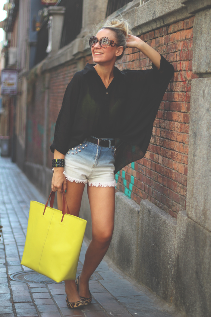 black top, casual look, eBay, fashion blogger, MY SHOWROOM, neon trend, Priscila Betancort, romwe, summer look, tie dye shorts