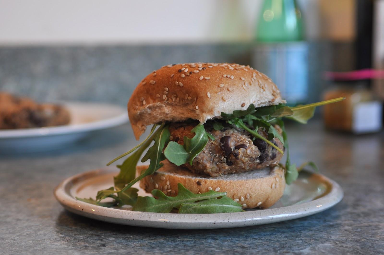 Two Blue Lemons: Best Quinoa-Black Bean Burgers