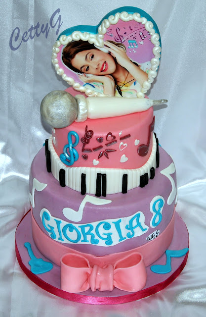 Le torte decorate di Cetty G: Violetta cake....