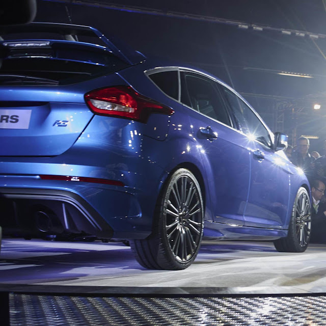 Ford-Focus-RS-2016%2B%25289%2529.jpg