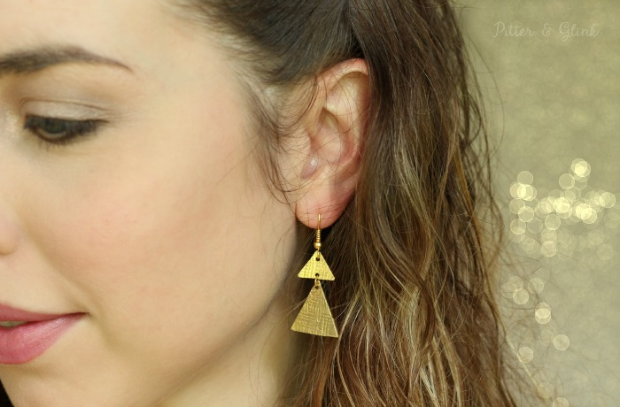 Metal Stamped Geometric Earrings--Use a patterned stamp to create textured metal earrings! www.pitterandglink.com
