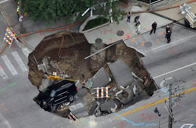 massive sinkholes around the world 01 Massive sinkholes around the world