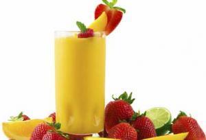 عصير الفاكهة من طرق الحماية على الرشاقة والجسم المتناسق