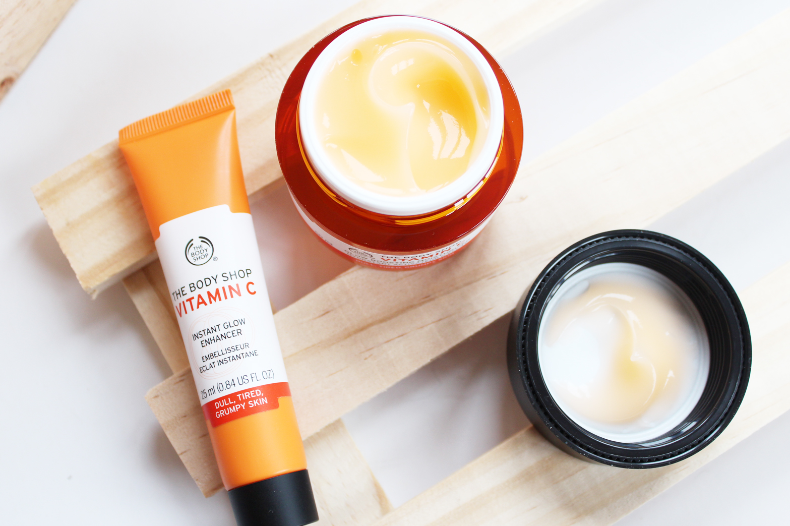 THE BODY SHOP | Vitamin C Instant Glow Enhancer + Glow Boosting Moisturiser - CassandraMyee