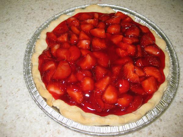 Fresh Strawberry Pie Yumminess!