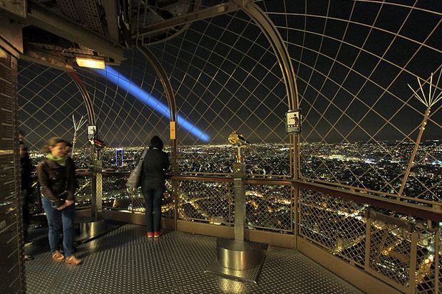 Top Of Eiffel Tower Stairs : See the whole view of paris in top romantic eiffel