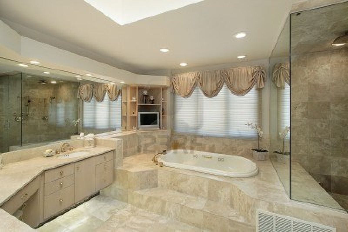 Decoration Salle De Bain Avec Jacuzzi : MasterBath Tub with Step