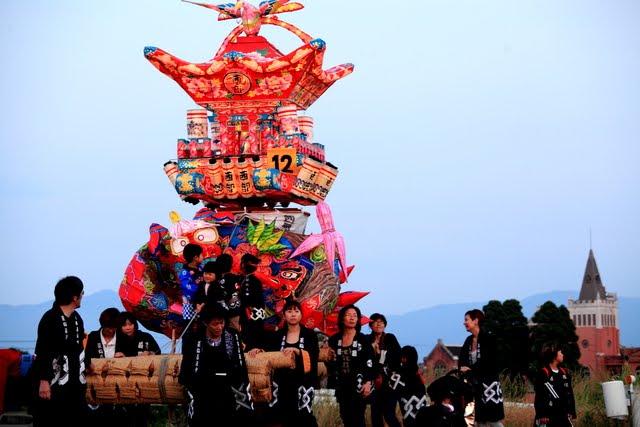 富山(砺波) の夜高 (よたか) 祭:   田植え直後 (梅雨入り直前、6月8-9日/2018年)