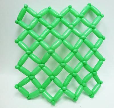 однослойный каркас из ШДМ для панно из воздушных шаров