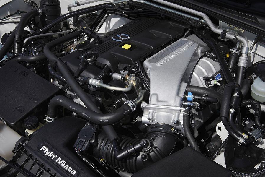 http://2.bp.blogspot.com/-kd2w7FsLUAg/T_A37j0f3MI/AAAAAAAAMF8/SWptvdH5Ljw/s1600/Mazda+MX-5+GT+Concept+%282012%294.jpg