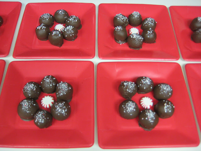 Christmas Peppermint Frost Cake Balls - Plated Cake Balls 1