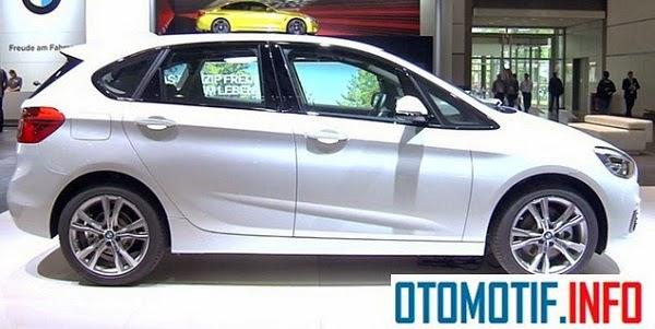 Kini BMW 218i Luxury Resmi Diperkenalkan di Indonesia,Yuk Diintip!
