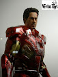 IN STOCK NECA 1/4 Scale Action Figure–Battle Damaged Iron Man