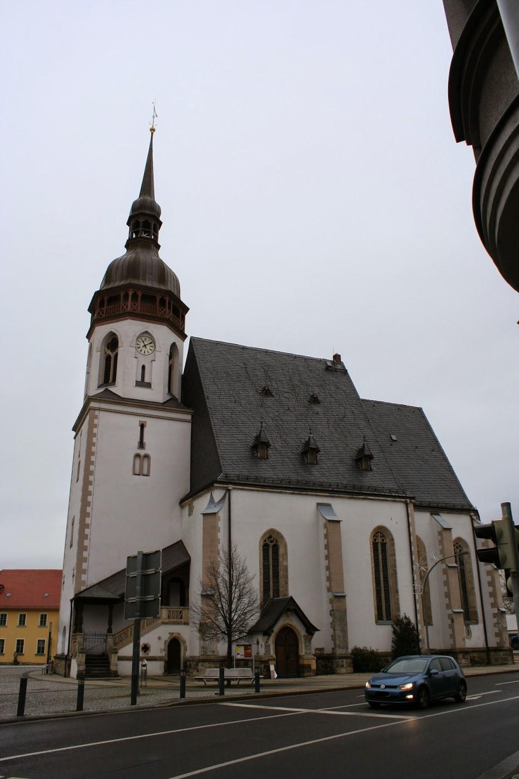 1871 wurde die St. Laurentiuskirche komplett restauriert - zwischen 1998 und 2008 einschließlich Orgel und Altartryptichon nochmals vollständig saniert - die Kirche wird durch die Evangelisch - Lutherische Kirchgemeinde Markranstädter Land betreut