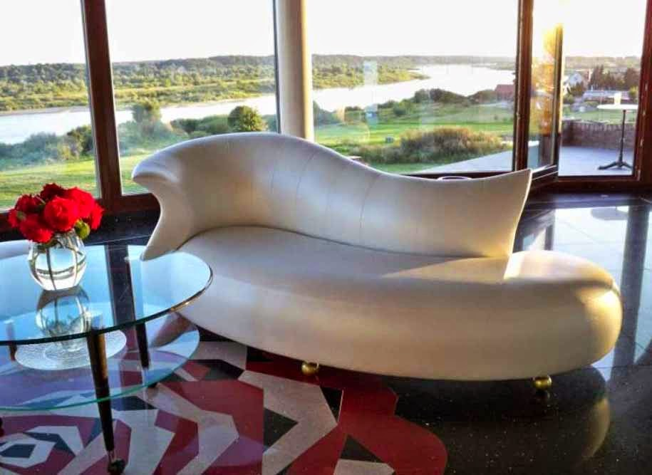 sofa mewa elegan berkelas