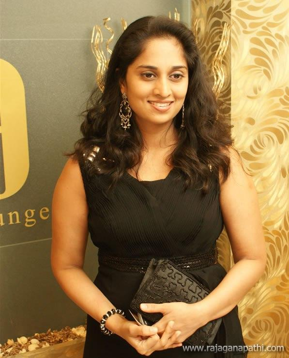 Actress Shalini Ajith Latest Cute Photoshoot Gateway To