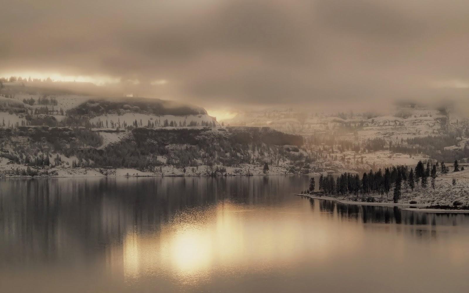 Fog in Mountain HD Wallpaper