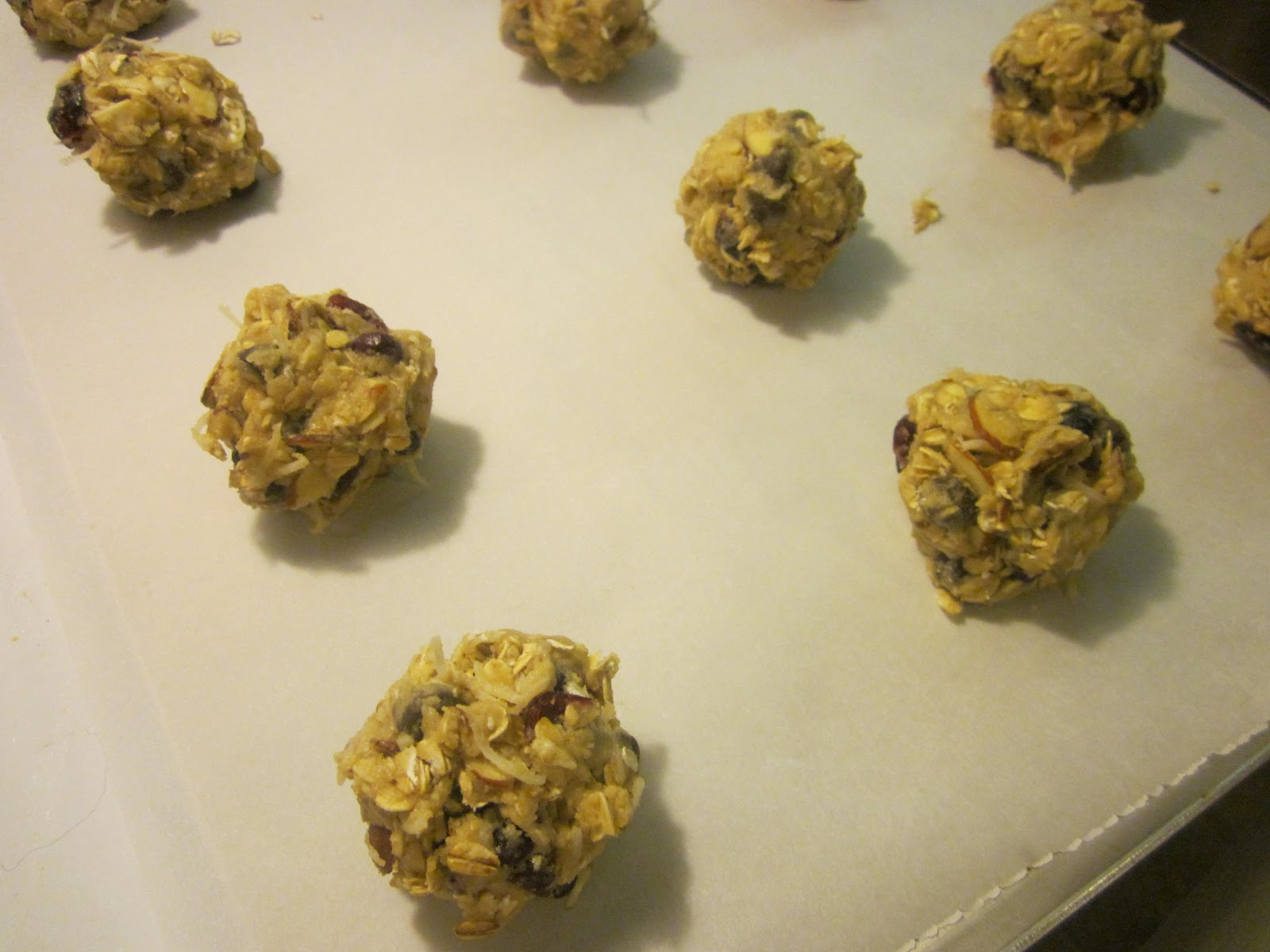 Dimples & Delights: Mom\'s Garbage Cookies