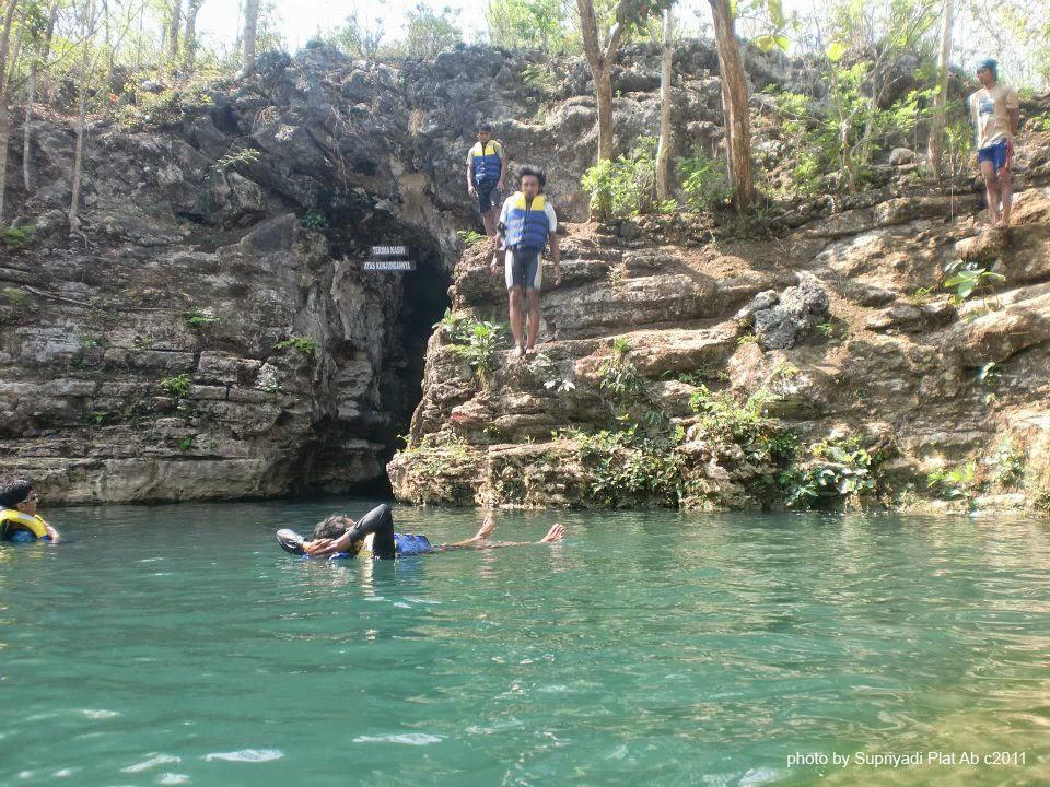 Wisata Alam Gua Pindul - Gunung Pindul - Jogja