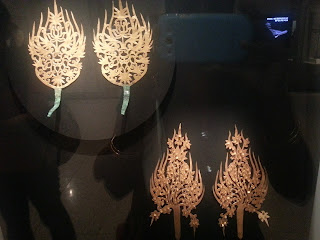 Golden Diadem ornaments