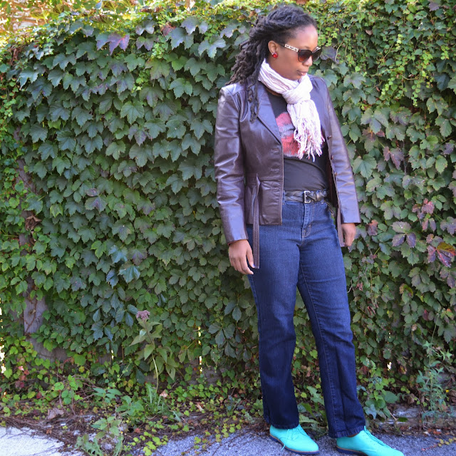 red and turquoise accessories add a pop of color to sahm style