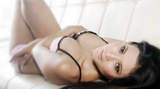 Kumpulan Foto Hot Novi Amalia Terbaru