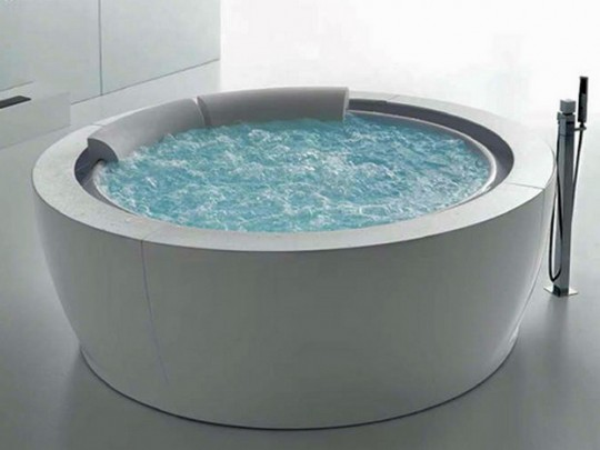 Bañera spa redonda de Bolla Sfioro Hafro