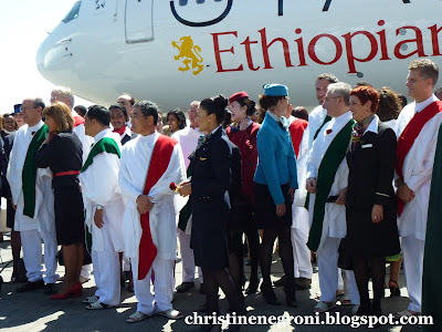 ethiopian+plane+and+staff.jpg