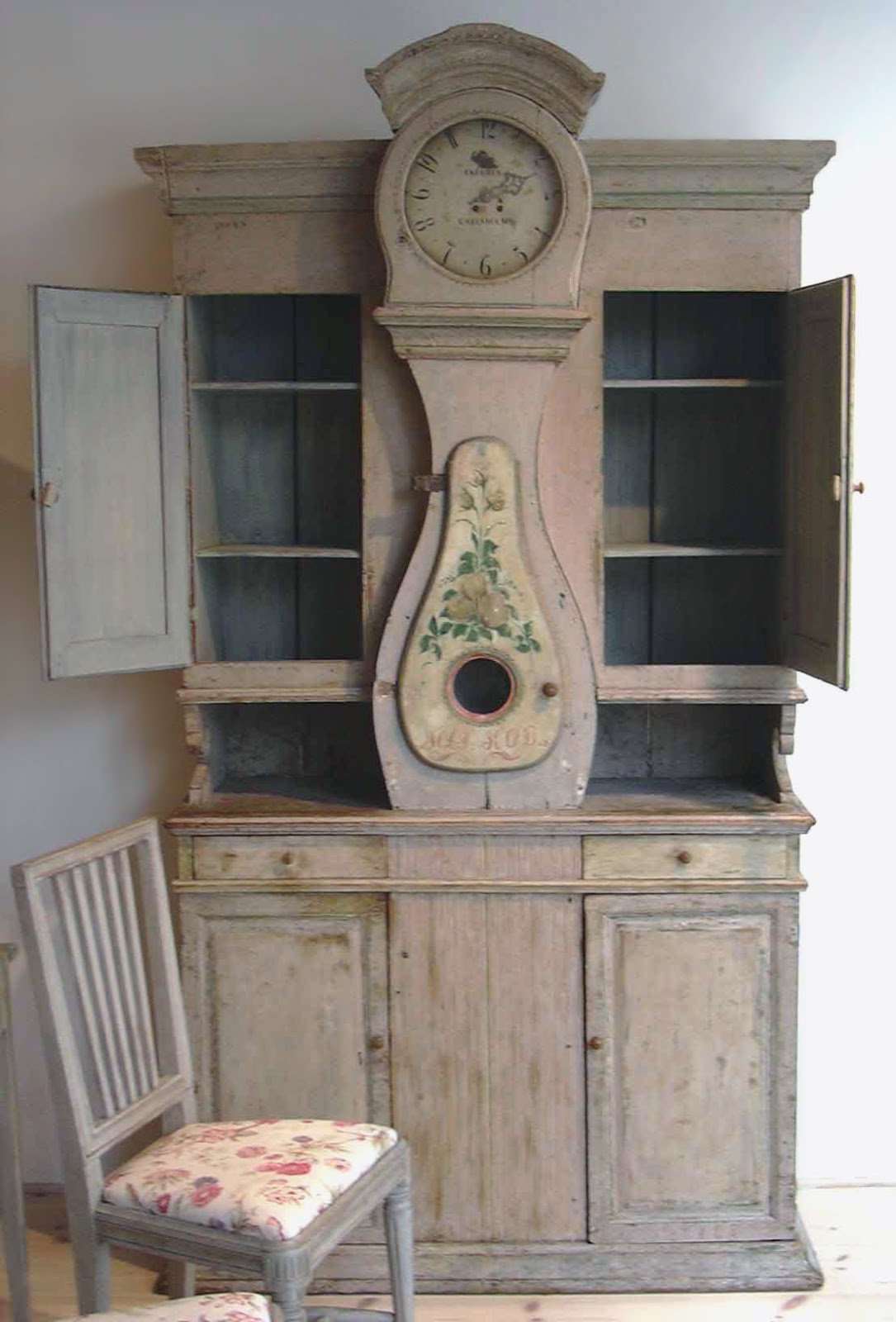 This very rare clock cupboard went to a collector. Tone on Tone  Swedish Mora Clocks