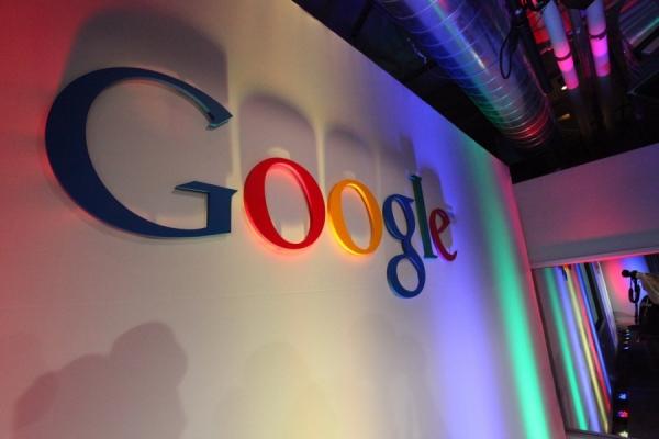 الكشف عن أولى صور النسخة الجديدة من Google Glass