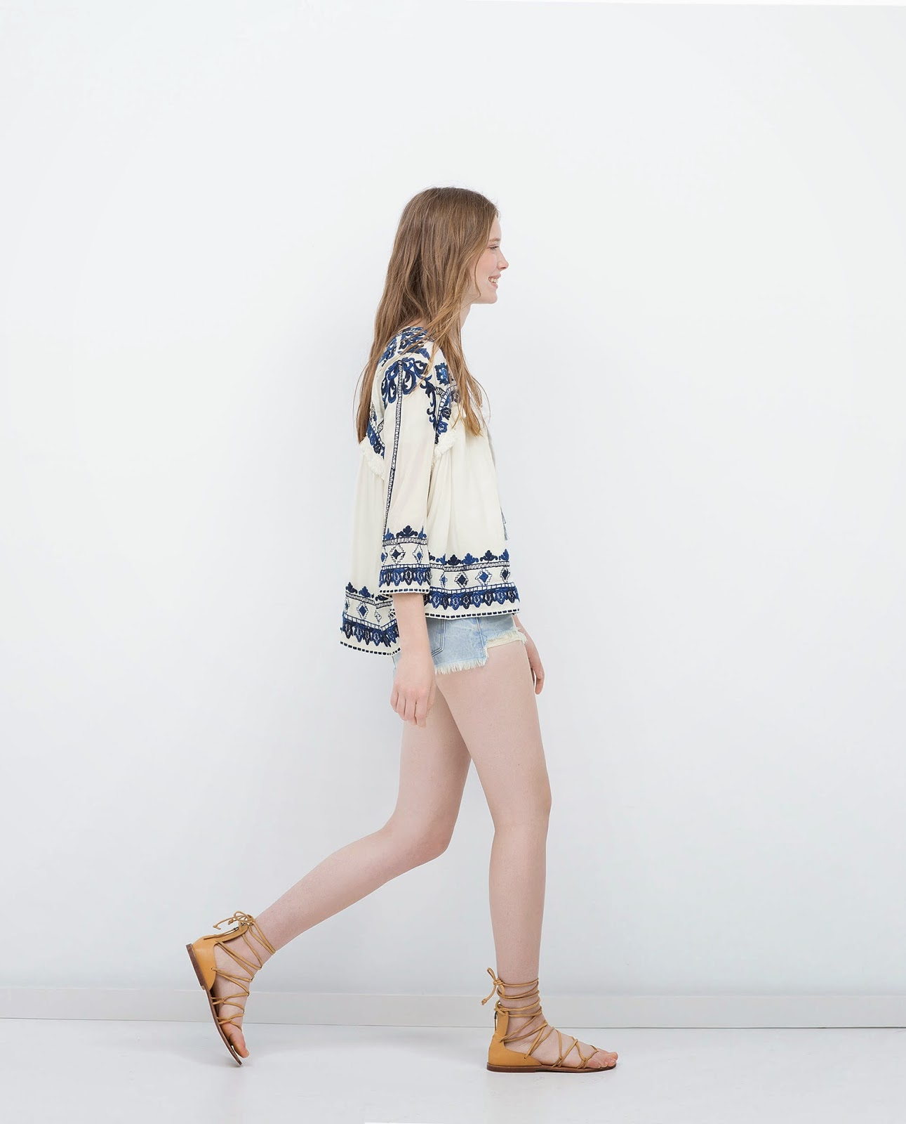 zara embroidered jacket, white zara jacket with blue print,