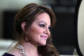 Jenni Rivera, penuh perasaan yang bermasalah, muzik bintang Mexico