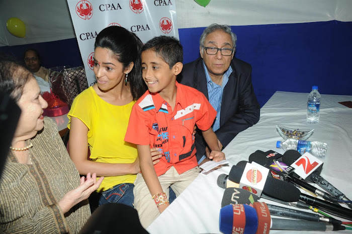mallika sherawat visits cancer patients aid ociation. unseen pics