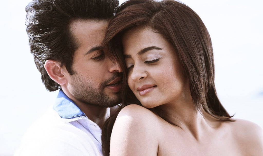 Jay Bhanushali and Surveen Chawla erotic pics in hate story 2
