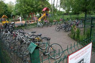 parking rowerowy pod ZS nr 6 w Poznaniu