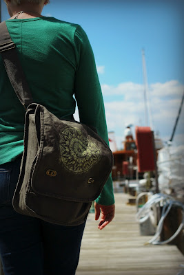 Soul+Flower+Messenger+Bag+1 - Field of Dreams Bag : Why Moms Love It!