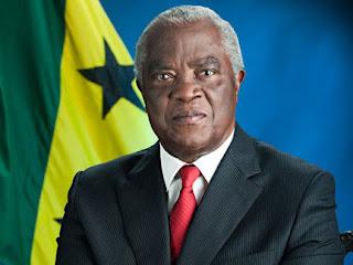 Presidente são-tomense espera adesão da Guiné Equatorial em 2014