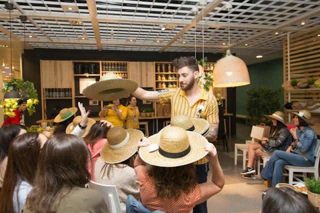 Una mañana en IKEA Coruña-Breakfast at IKEA. Visita www.forarealwoman.com  #blogger  Loving NIPPRIG hats