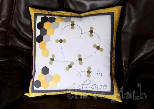 bee+pillow+1.jpg