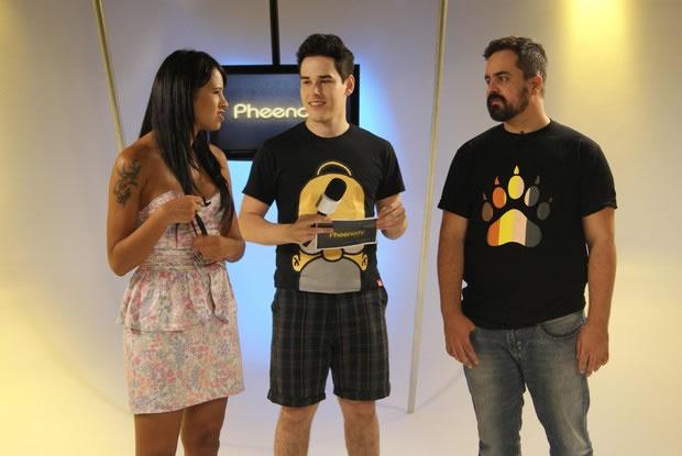 Os ex-BBBs Ariadna e Marcelo Arantes e o apresentador Thiago Araújo (Foto: Divulgação)
