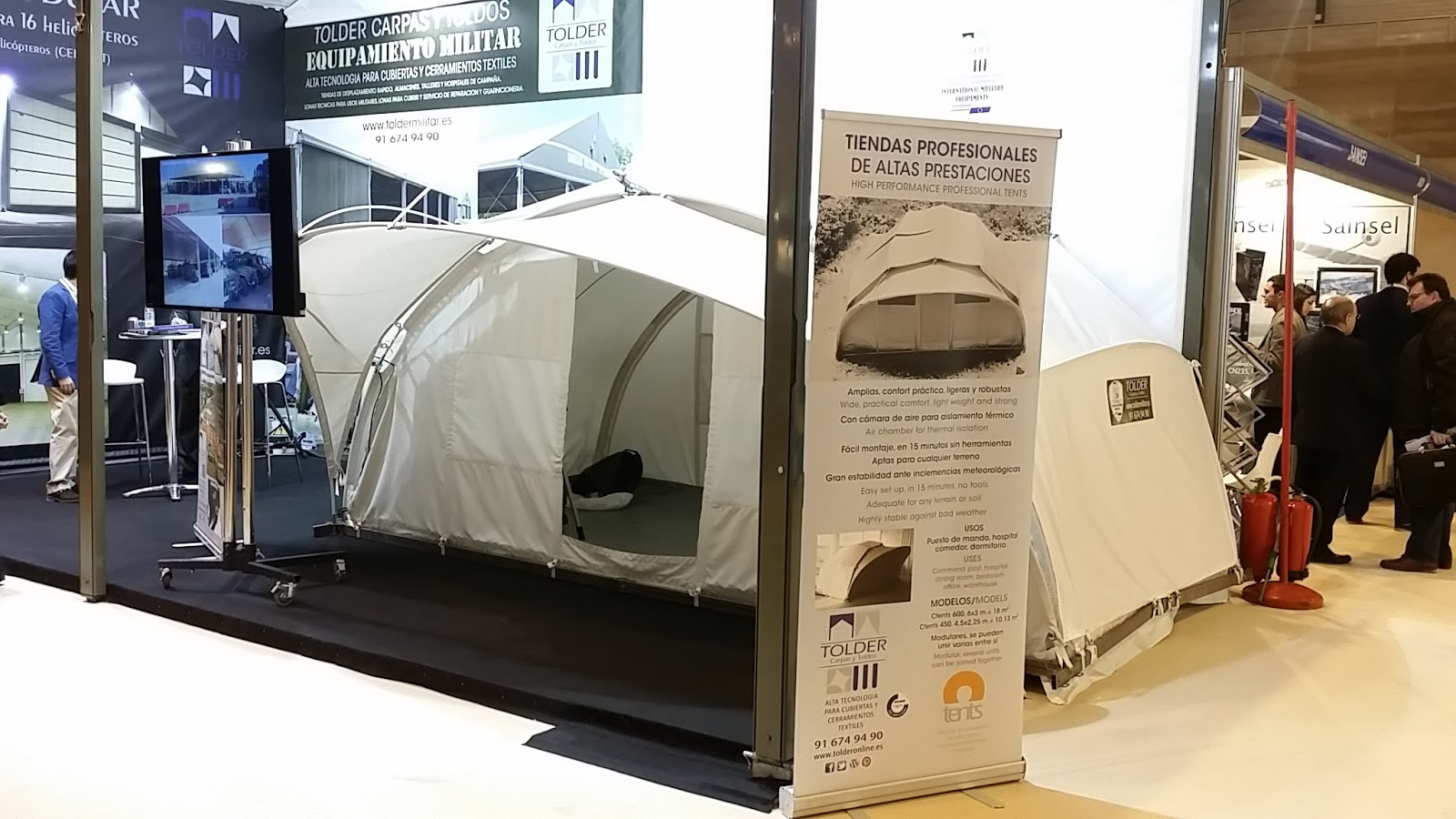 Lightweight military tent Ctents
