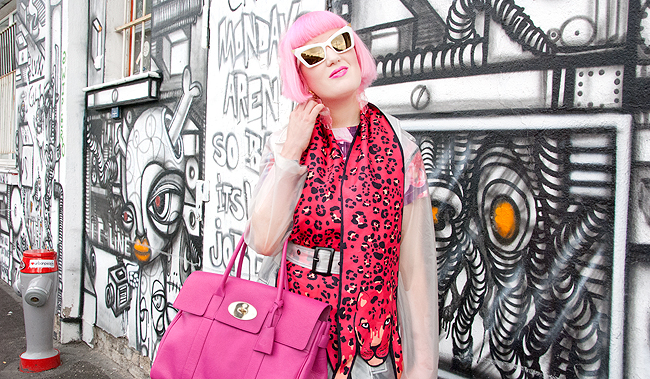 pink-haired blogger, transparent raincoat, mulberry bag