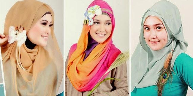 Cantik Dan Fresh Dengan Atasan Bermotif Dan Hijab