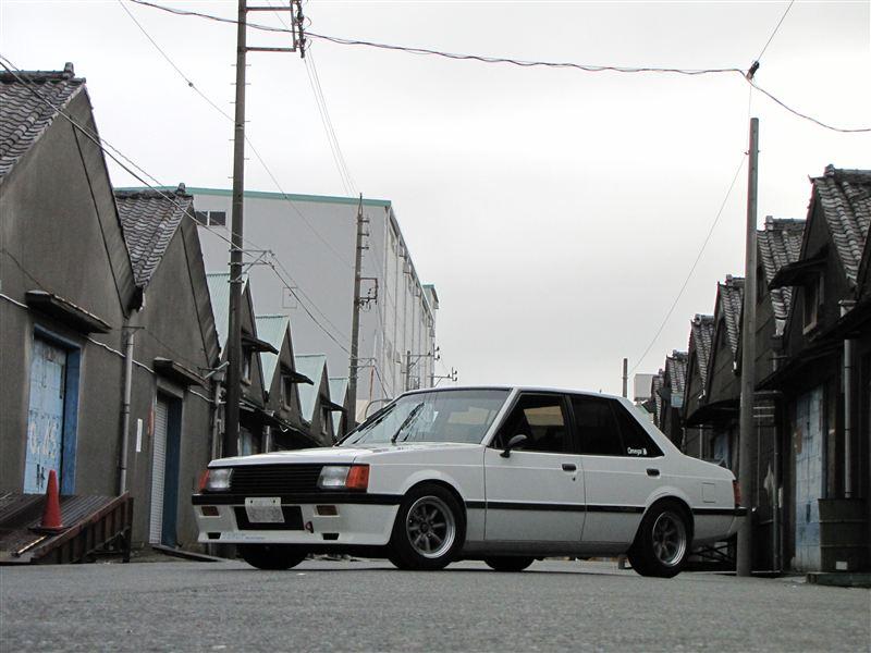 Mitsubishi Lancer druga generacja, stare samochody, klasyczne sportowe auta, dawna motoryzacja z lat 80, tuning, pasja